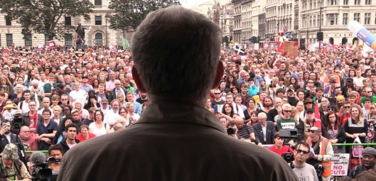 corbyn-crowd